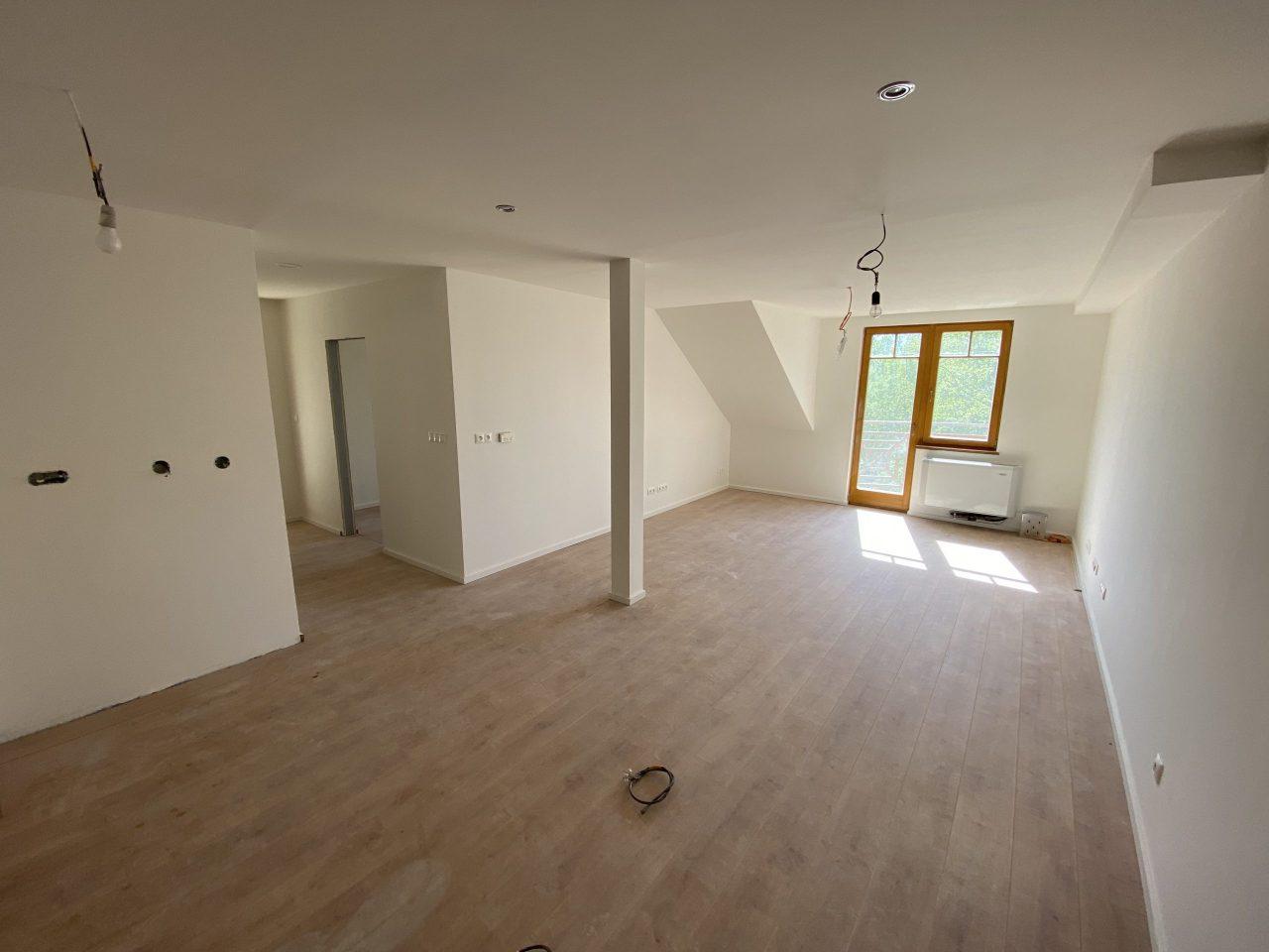 Trojizbový apartmán na predaj priamo na brehu jazera Draždiak v bratislavskej Petržalke